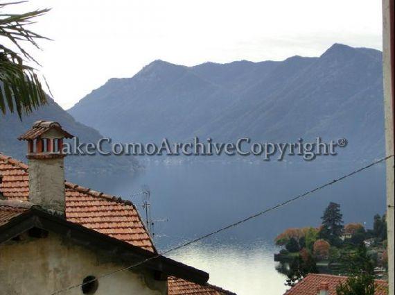 Квартира у озера Комо, Италия, 65 м2 - фото 1