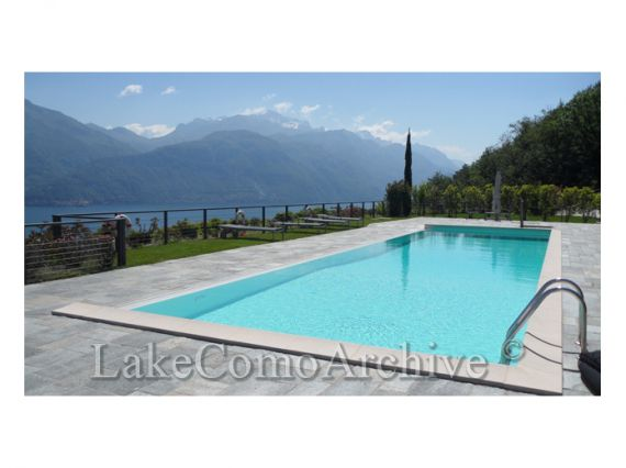 Квартира у озера Комо, Италия, 75 м2 - фото 1