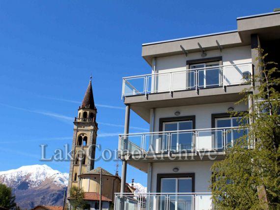 Квартира у озера Комо, Италия, 117 м2 - фото 1