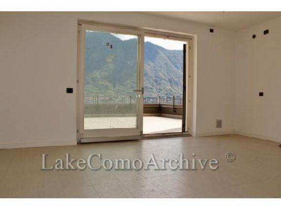 Квартира у озера Комо, Италия, 62 м2 - фото 1