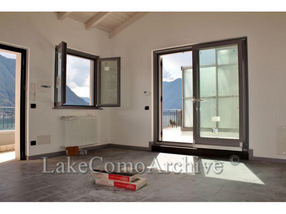 Квартира у озера Комо, Италия, 52 м2 - фото 1