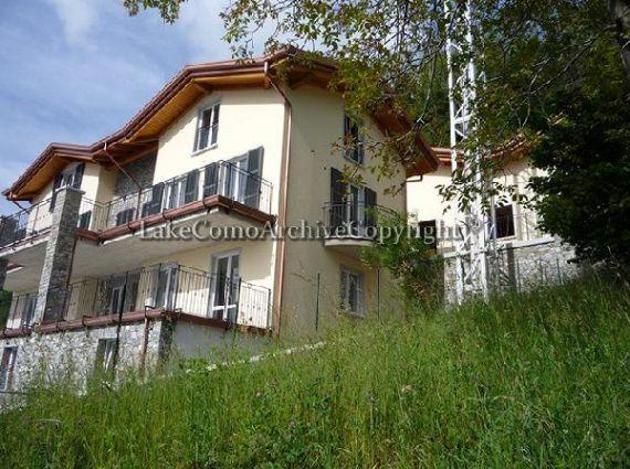 Квартира у озера Комо, Италия, 110 м2 - фото 1