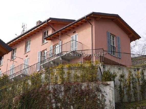 Квартира у озера Комо, Италия, 113 м2 - фото 1