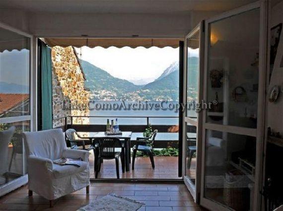 Квартира у озера Комо, Италия, 58 м2 - фото 1