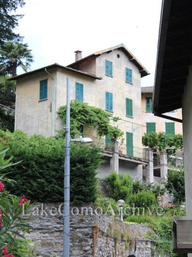 Квартира у озера Комо, Италия, 350 м2 - фото 1