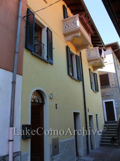 Вилла в Лугано, Италия, 100 м2 - фото 1