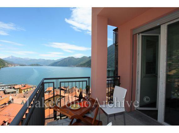 Квартира у озера Комо, Италия, 84 м2 - фото 1
