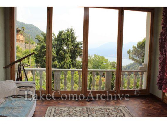 Вилла у озера Комо, Италия, 800 м2 - фото 1