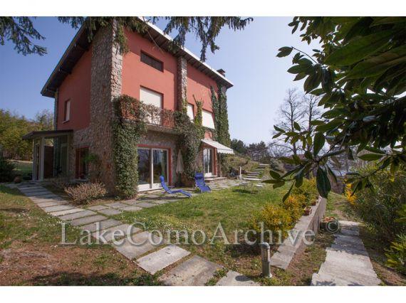 Вилла Озеро Комо, Италия, 240 м2 - фото 1