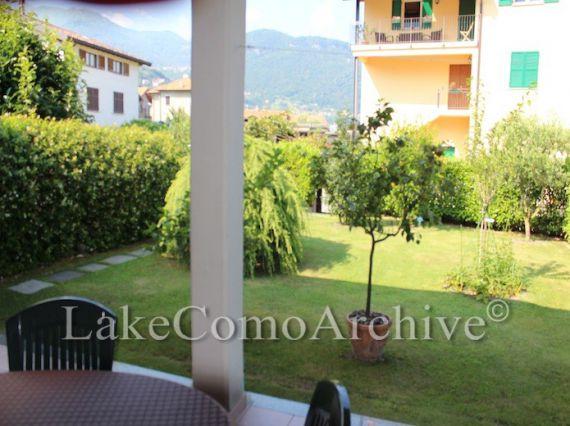 Квартира у озера Комо, Италия, 170 м2 - фото 1