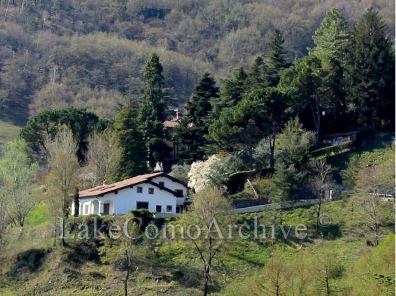 Вилла Озеро Комо, Италия, 395 м2 - фото 1