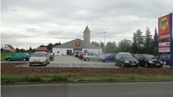 Магазин в Саксонии-Анхальт, Германия, 1043 м2 - фото 1