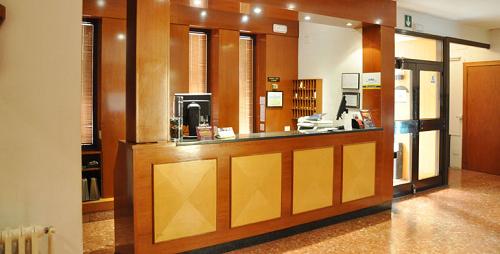 Отель, гостиница в Барселоне, Испания, 1000 м2 - фото 1