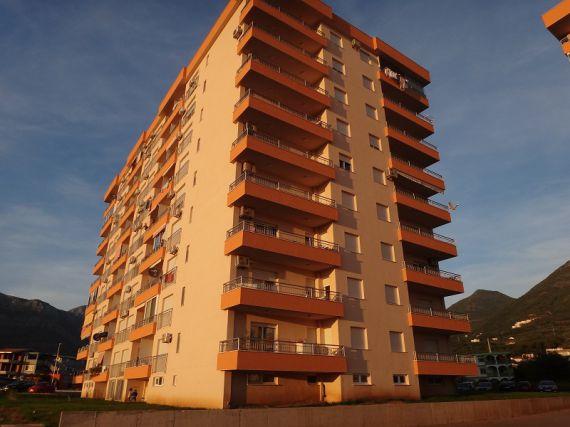 Квартира в Баре, Черногория, 49 м2 - фото 1