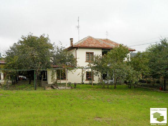 Дом в Велико Тырново, Болгария, 1493 м2 - фото 1
