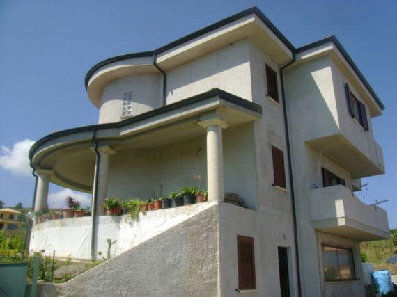 Вилла в Тропее, Италия, 1000 м2 - фото 1