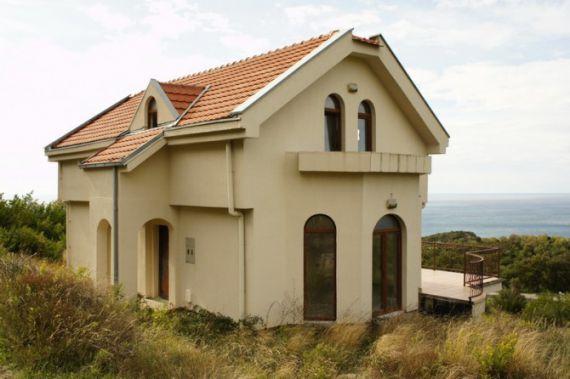 Вилла в Святом Стефане, Черногория, 215 м2 - фото 1
