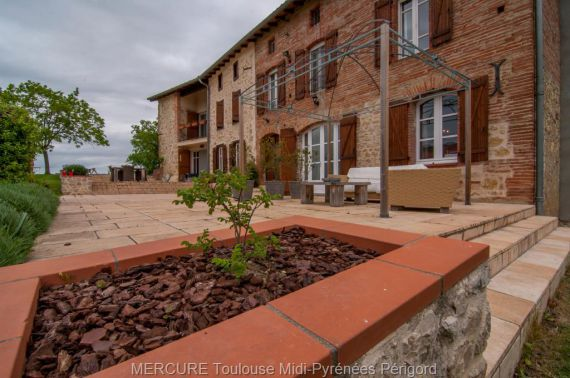 Особняк в Восточных Пиренеях, Франция, 519 м2 - фото 1