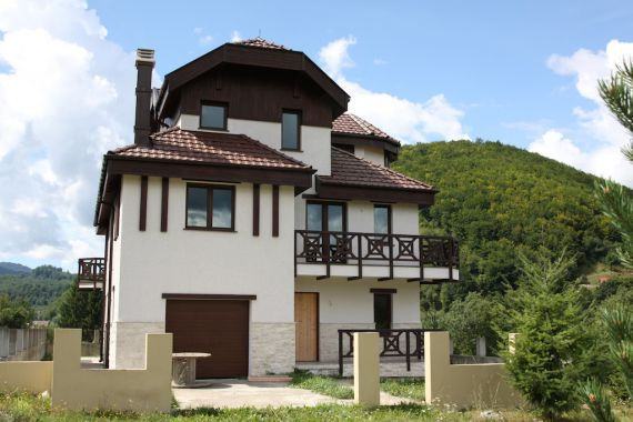 Шале в Колашине, Черногория, 900 м2 - фото 1