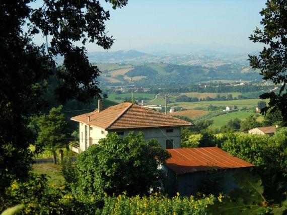 Дом в Марке, Италия, 220 м2 - фото 1