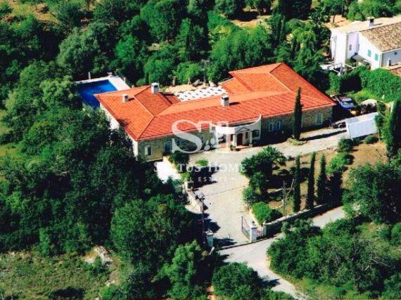Вилла в Лоле, Португалия, 580 м2 - фото 1