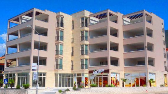 Квартира в Тивате, Черногория, 75 м2 - фото 1
