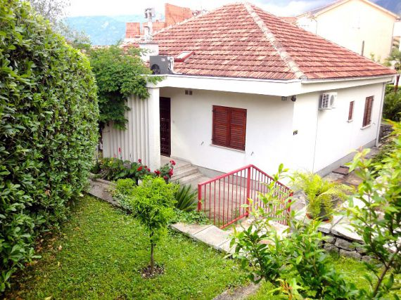 Дом в Доброте, Черногория, 134 м2 - фото 1
