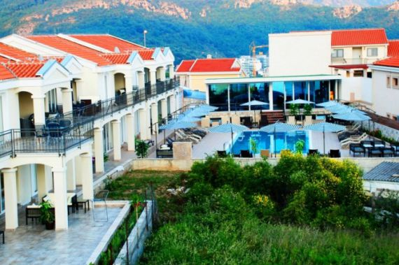 Отель, гостиница в Бечичи, Черногория, 1600 м2 - фото 1
