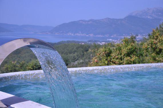 Вилла в Которе, Черногория, 879 м2 - фото 1