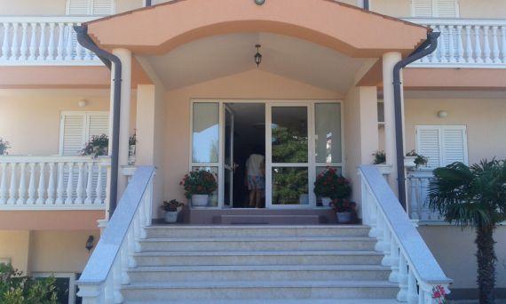 Доходный дом в Медулине, Хорватия, 1000 м2 - фото 1