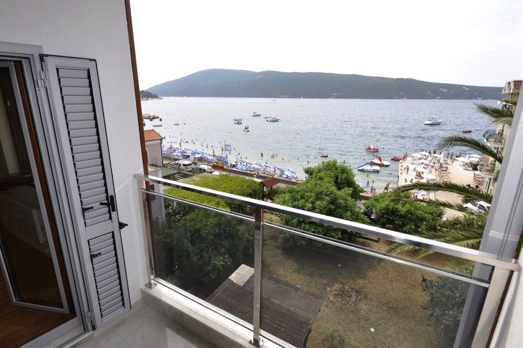 Квартира в Херцеге Нови, Черногория, 37 м2 - фото 1