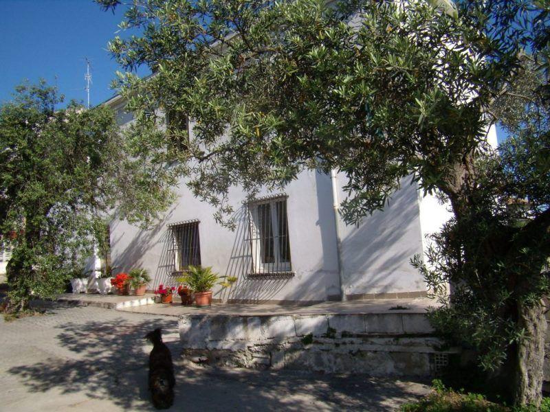 Дом в Абруццо, Италия, 245 м2 - фото 1