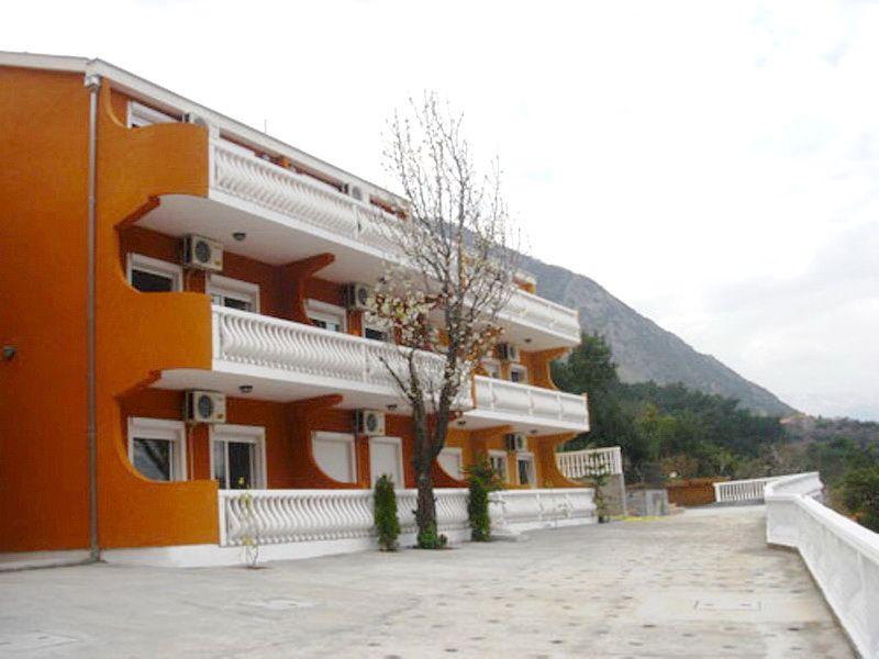 Квартира в Прчани, Черногория, 42 м2 - фото 1