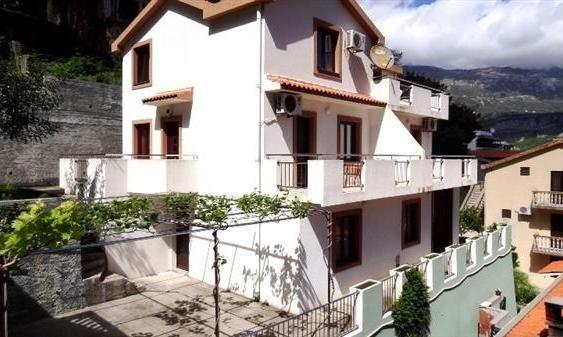 Отель, гостиница в Будве, Черногория, 235 м2 - фото 1