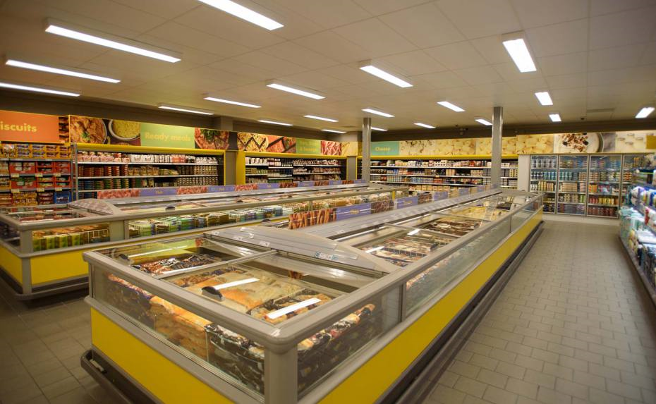 Магазин в Баден-Вюртемберге, Германия, 1380 м2 - фото 1