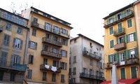 Спрос на квартиры переместился из Москвы в Париж