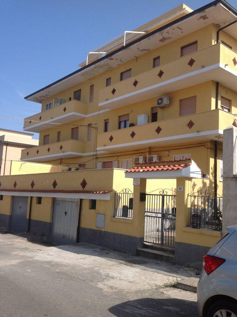 Апартаменты в Вибо Валентии, Италия, 90 м2 - фото 1