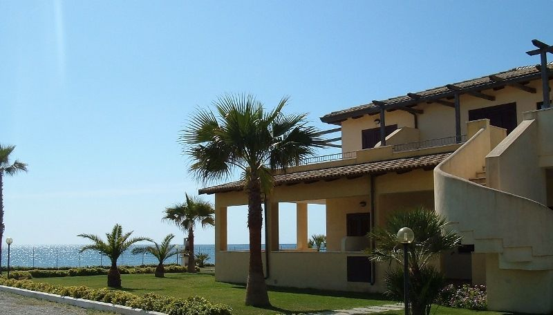 Апартаменты в Кротоне, Италия, 85 м2 - фото 1