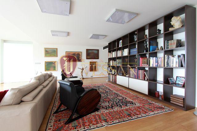 Квартира в Праге, Чехия, 189 м2 - фото 1