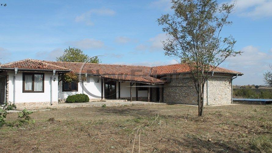 Дом в Варне, Болгария, 2150 м2 - фото 1