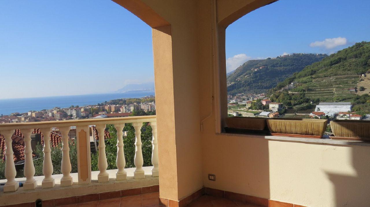 Вилла в Валлекрозии, Италия, 450 м2 - фото 5