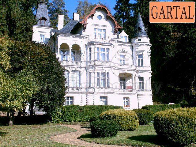 Коммерческая недвижимость в Карловых-Варах, Чехия, 1740 м2 - фото 1