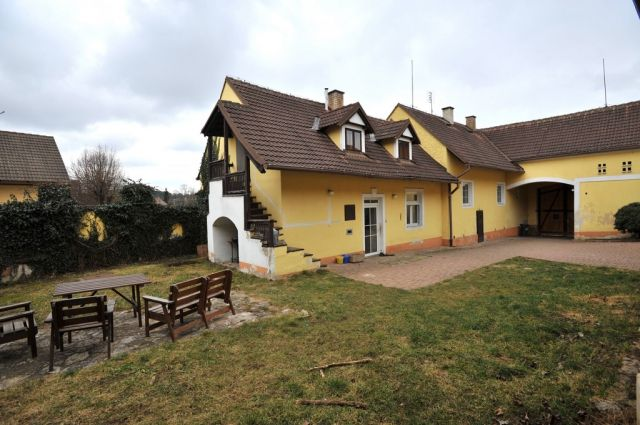 Коммерческая недвижимость в Праге, Чехия, 488 м2 - фото 1