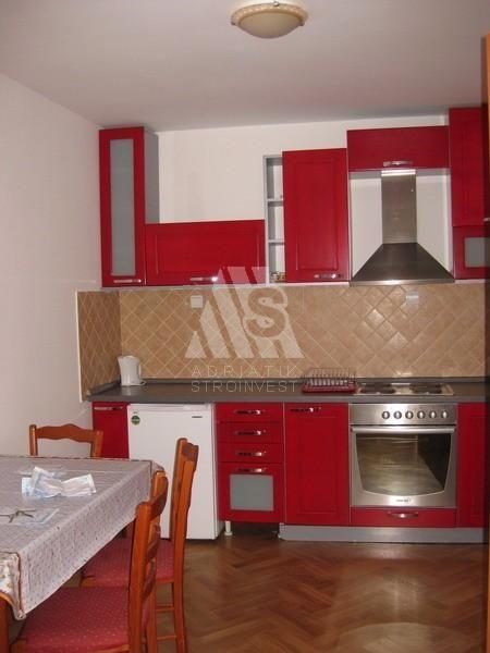 Квартира в Святом Стефане, Черногория, 75 м2 - фото 1