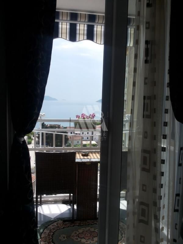 Квартира в Игало, Черногория, 25 м2 - фото 1