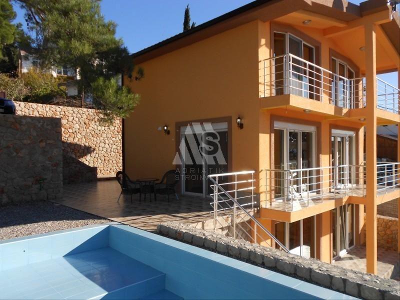 Дом в Баре, Черногория, 225 м2 - фото 1