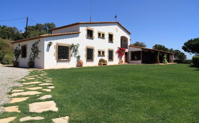 Недвижимость испания пригород