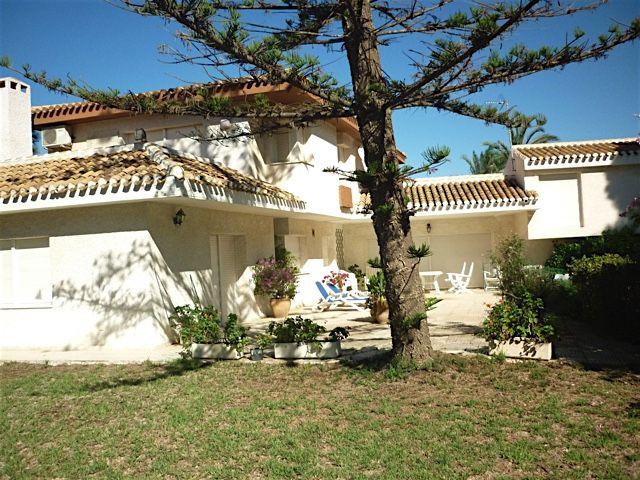 Дом на Коста-Бланка, Испания, 1300 м2 - фото 1