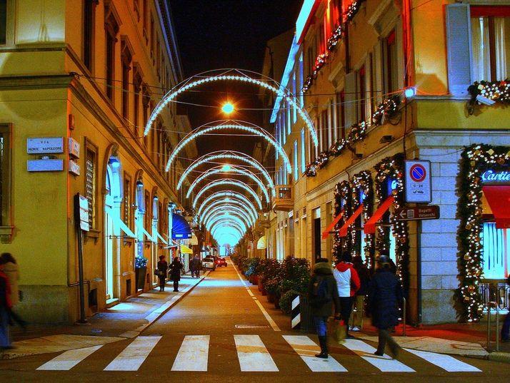 Офис в Милане, Италия, 340 м2 - фото 1