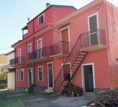 Апартаменты в Вибо Валентии, Италия, 45 м2 - фото 1